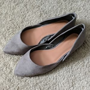 Forever 21 pointed flats